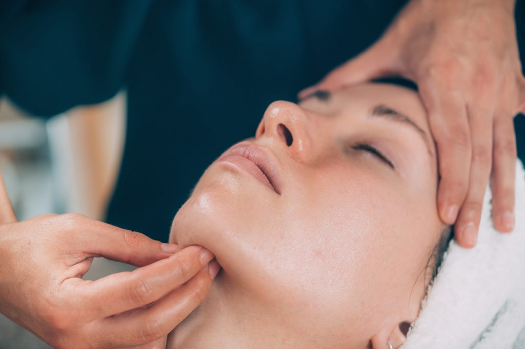 clinical-facial-massage